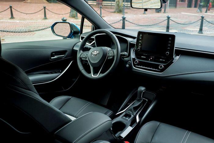 Toyota Corolla салон
