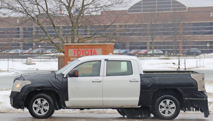 2020-Toyota-Tundra-Spy-Shots-January-2019