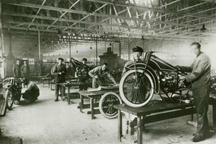 БМВ создал свой первый мотоцикл P32