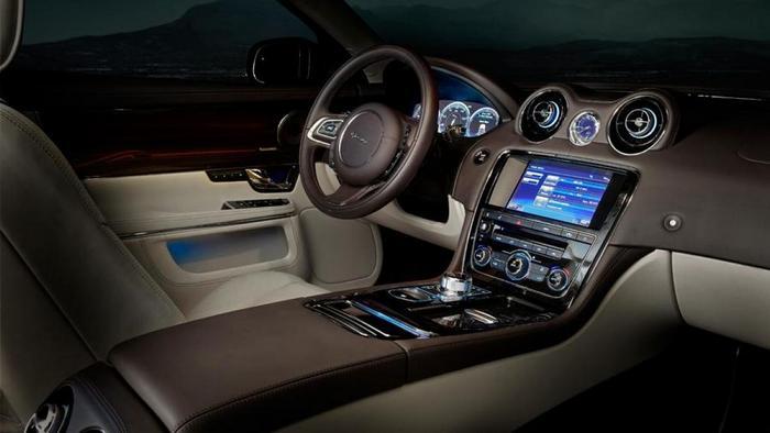 Jaguar XJ интерьер