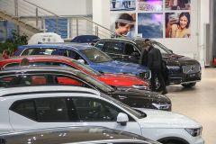 Автодилеры: падение продаж в июне будет не более 50%