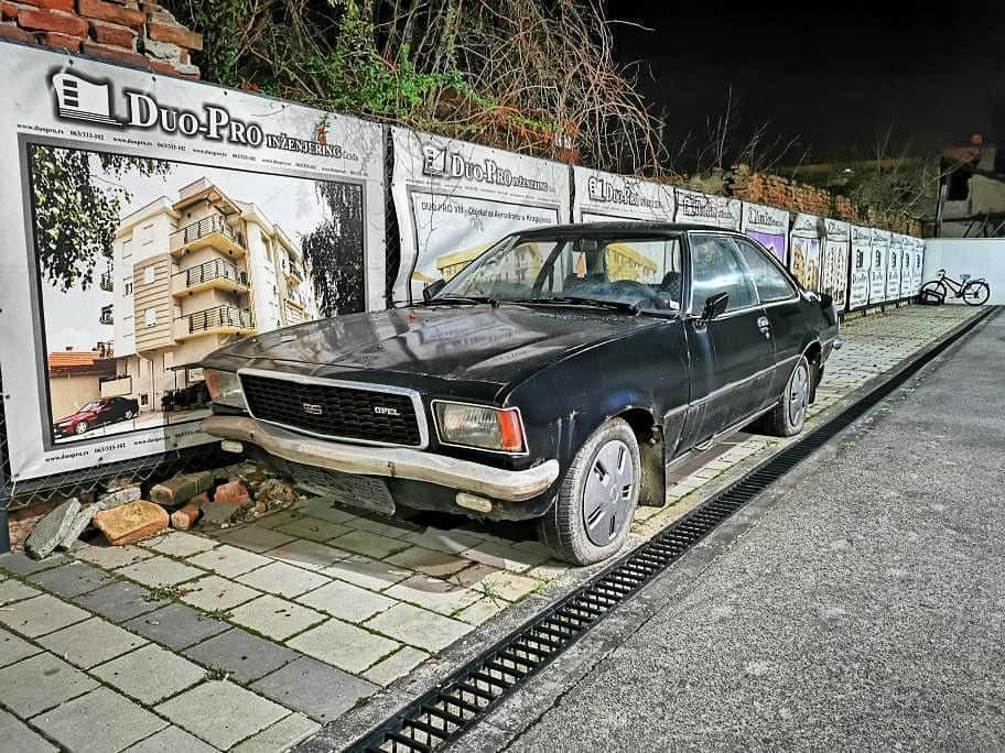 Opel Rekord 1975