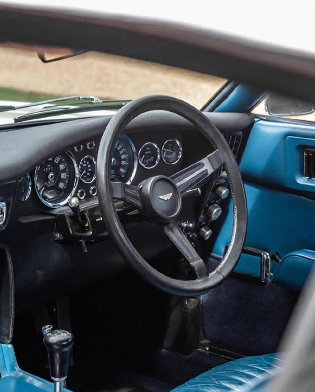 Aston Martin DBS 1970