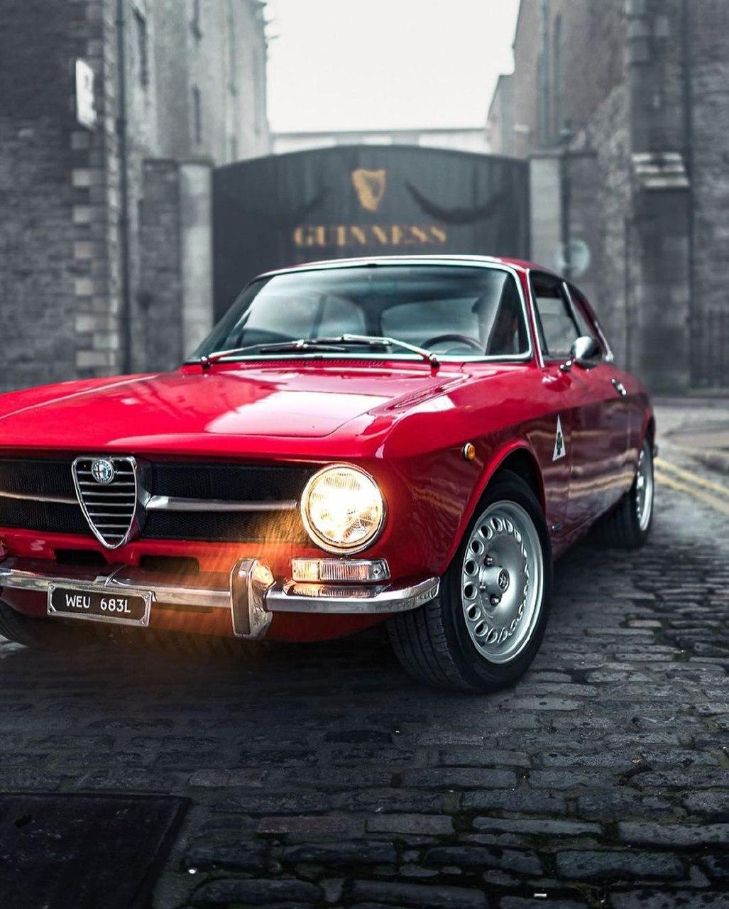 Alfa Romeo GT1300