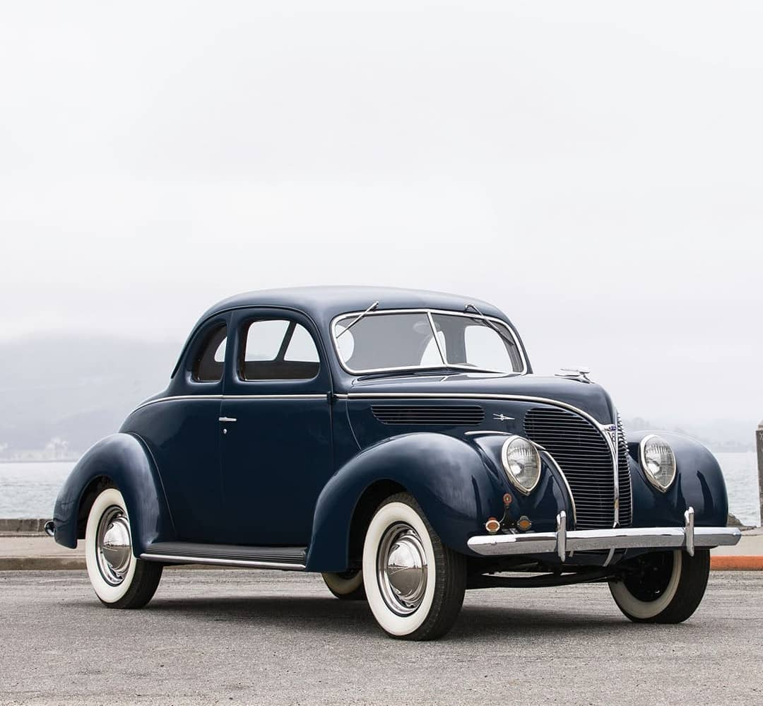 1938 Ford V-8 Deluxe Coupe