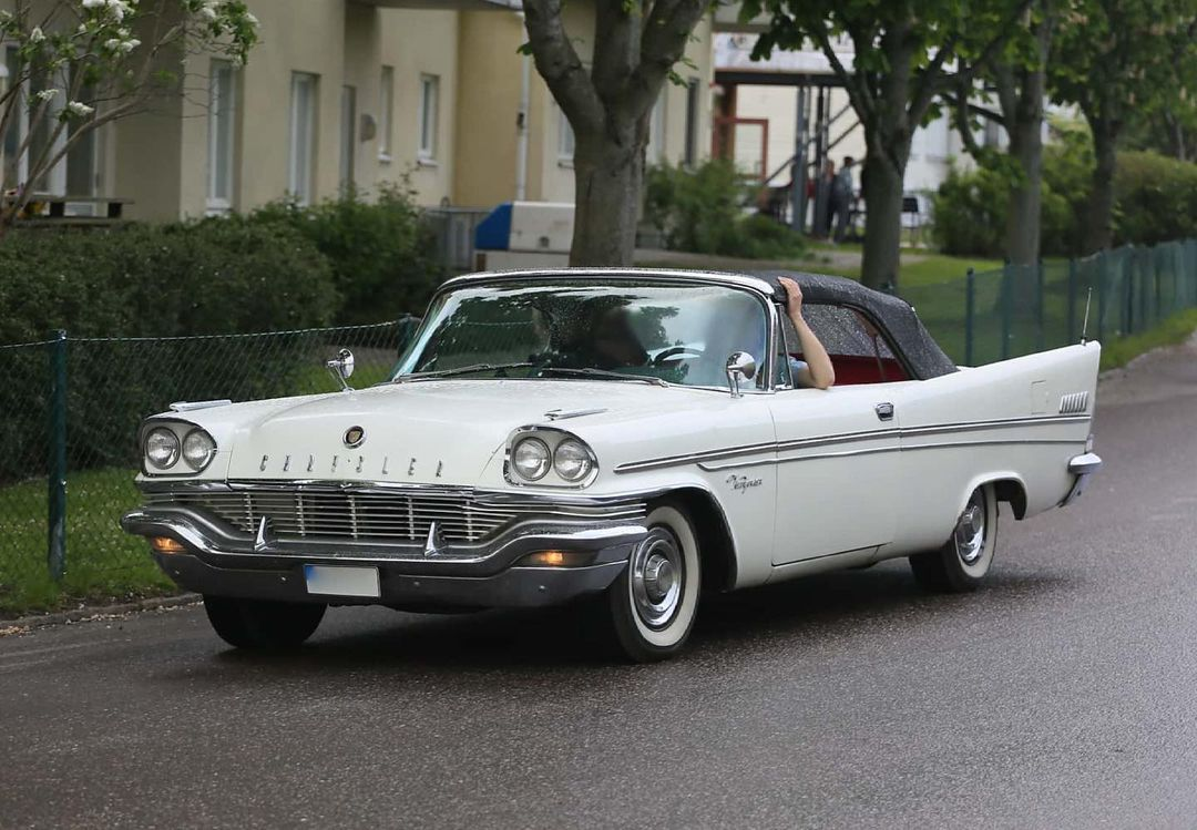 1957 Chrysler New Yorker convertible