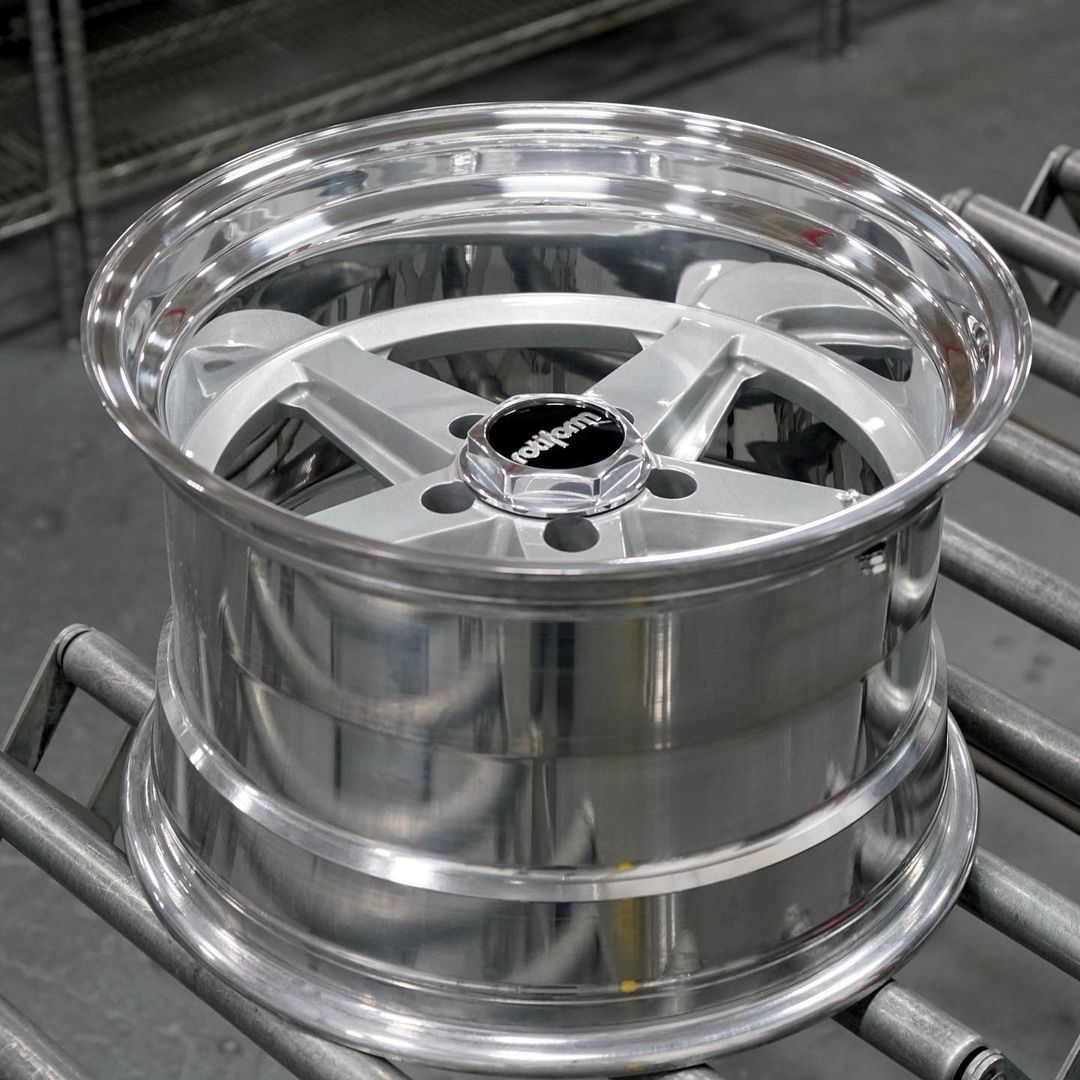 Rotiform 917 2pc welded (17x9.5)