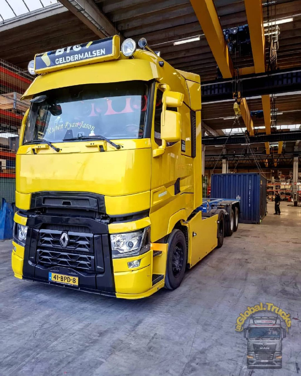 Renault T-High 520hp