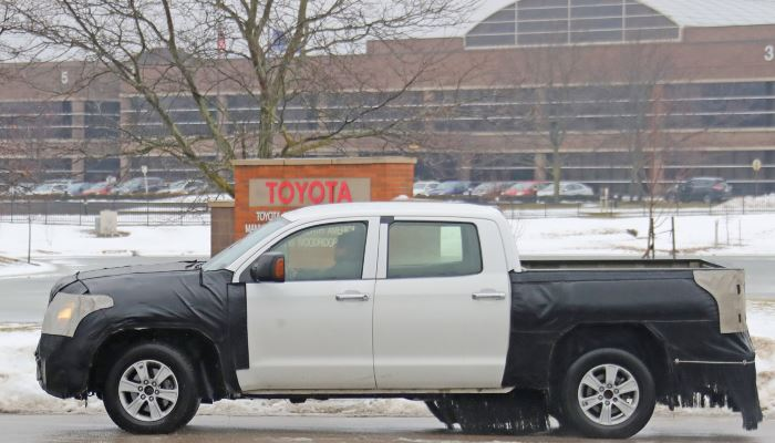 2020-Toyota-Tundra-Spy-Shots-January-2019