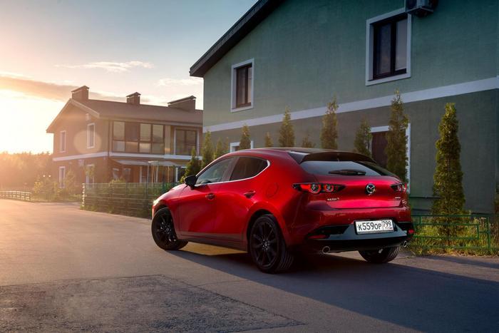 К россиянам едет новая Mazda3